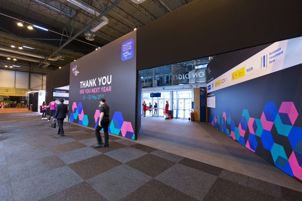 Creative Exhibition Stand Design : Creative exhibition stand design digital enterprise show servis